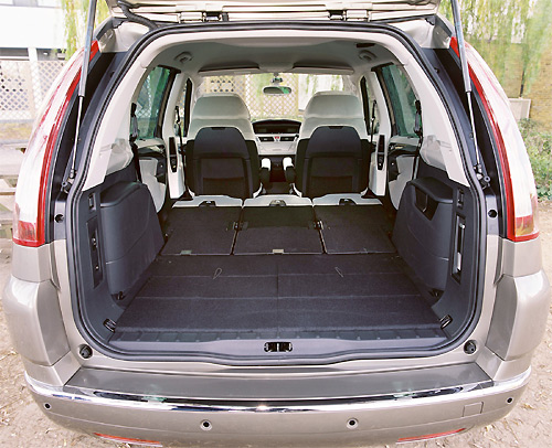 content c4 owners model reviews 5 and 7 seat citroen c4 picasso c4 ds4 owners. Black Bedroom Furniture Sets. Home Design Ideas